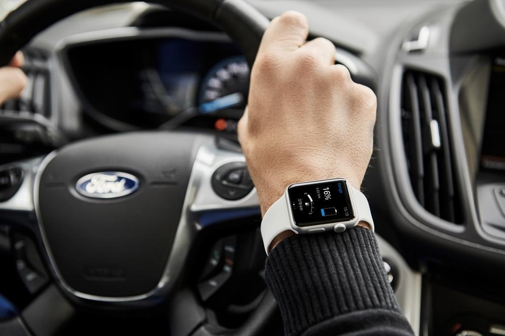 MyFord Mobile: l'auto si comanda con lo smartwatch e lo smartphone