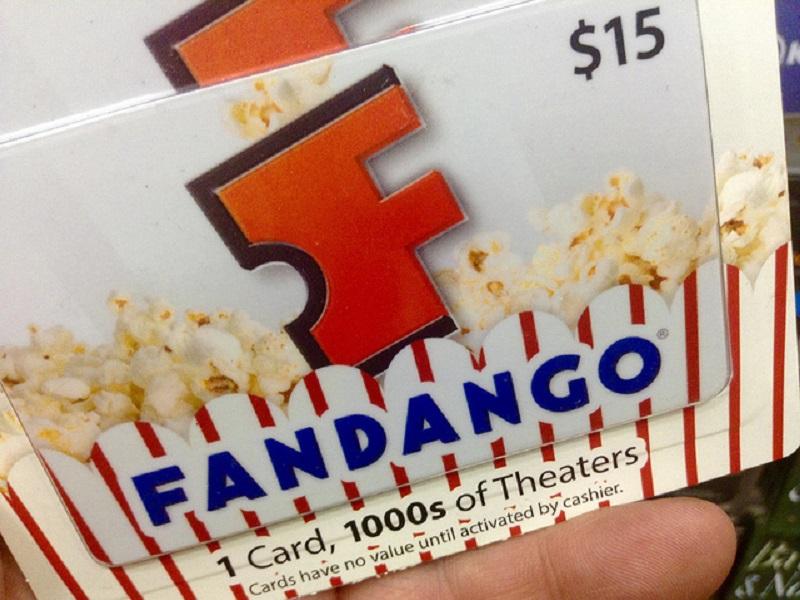 Cinema il biglietto lo compri su Facebook