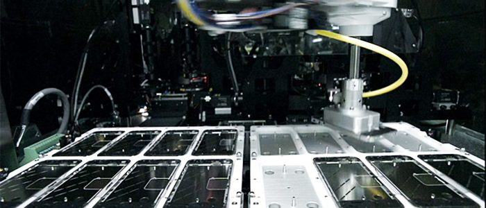 La macchina che produce gli iPhone