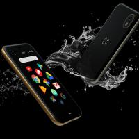 Palm-mini-smartphone